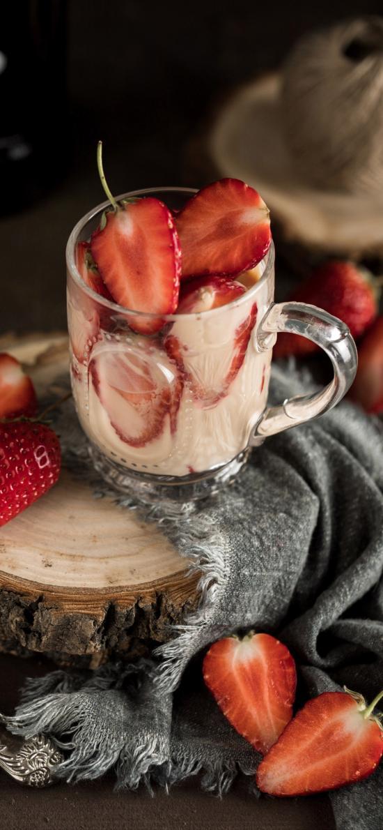 水果 草莓 切半 杯子