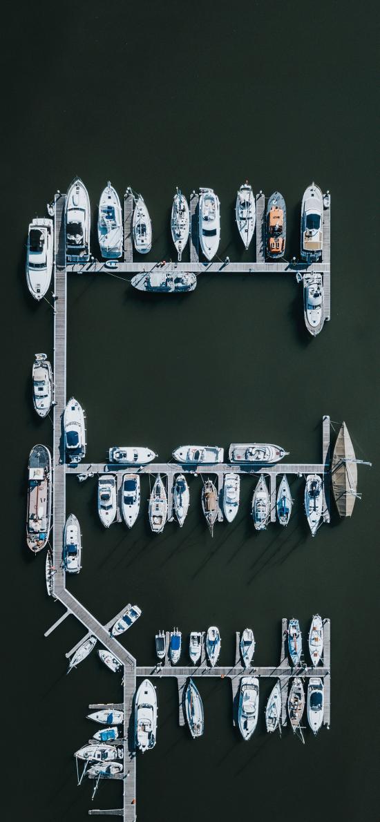 俯拍 港口 船只 停放