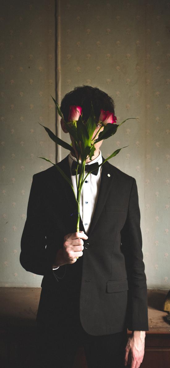 鲜花 玫瑰 西装 遮掩