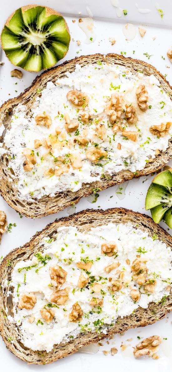 面包 奶油 坚果 奇异果 营养