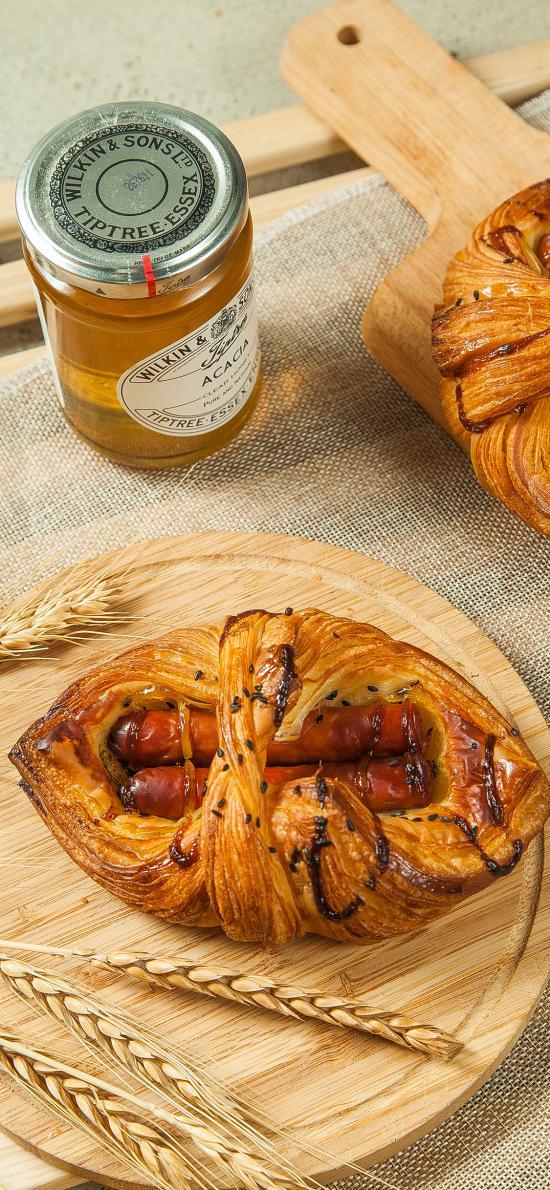 面包 烘烤 肠仔 蜂蜜