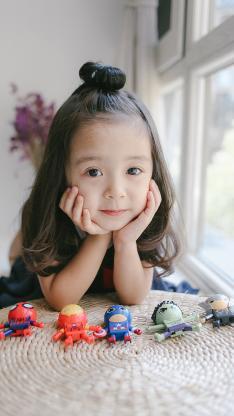 哈琳 小女孩 可爱 萌 儿童 玩具