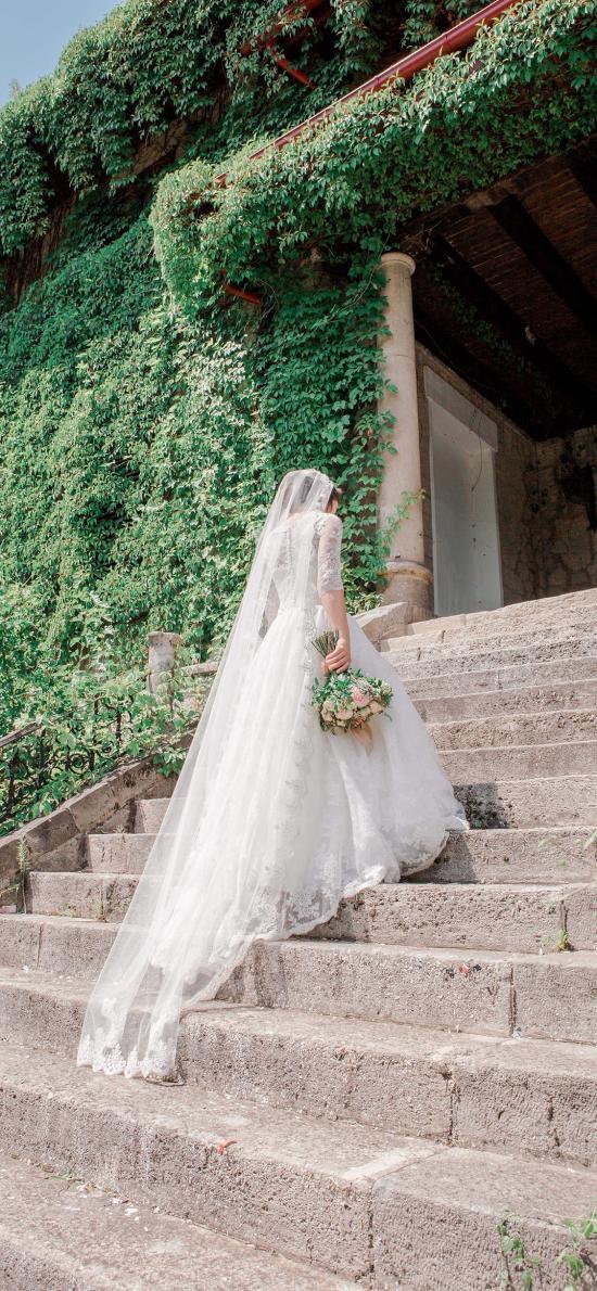 新娘 白色婚纱 背影 捧花