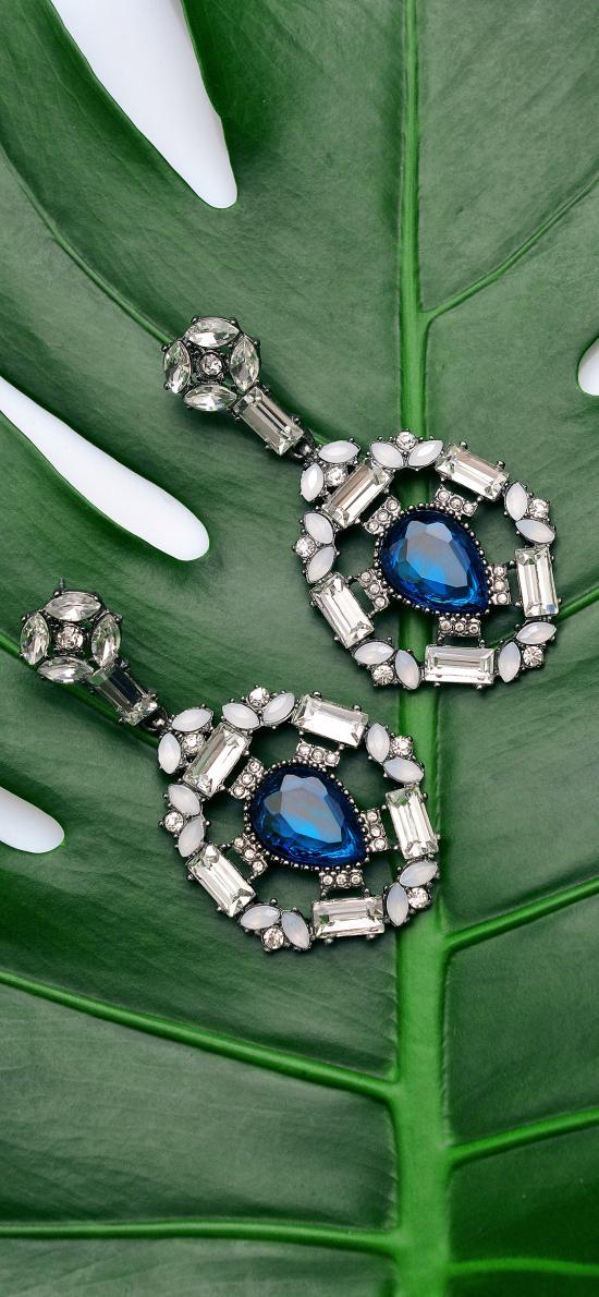珠宝 璀璨 耳环 绿叶