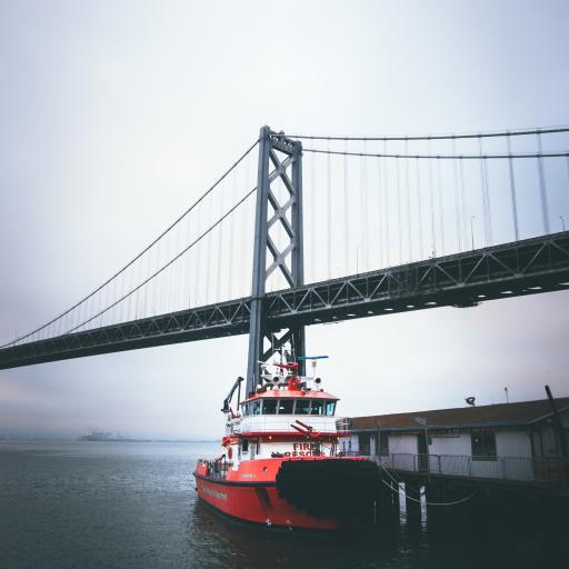 河岸 轮船 灰暗 金门大桥