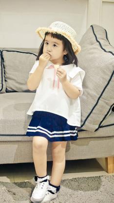 包饺子 包可艾 小女孩 可爱 沙发