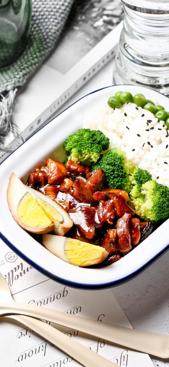 便当 鸡蛋 卤肉 蔬菜 米饭