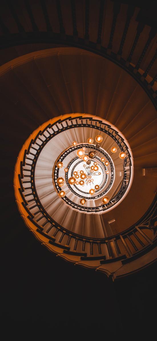 阶梯 旋转 吊灯 灯饰 装潢