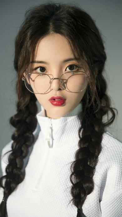 杨超越 歌手 火箭少女101 明星 辫子