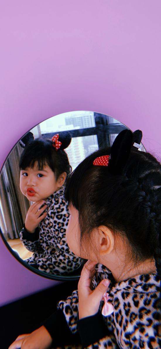 包可艾 包饺子 小女孩 镜子 可爱