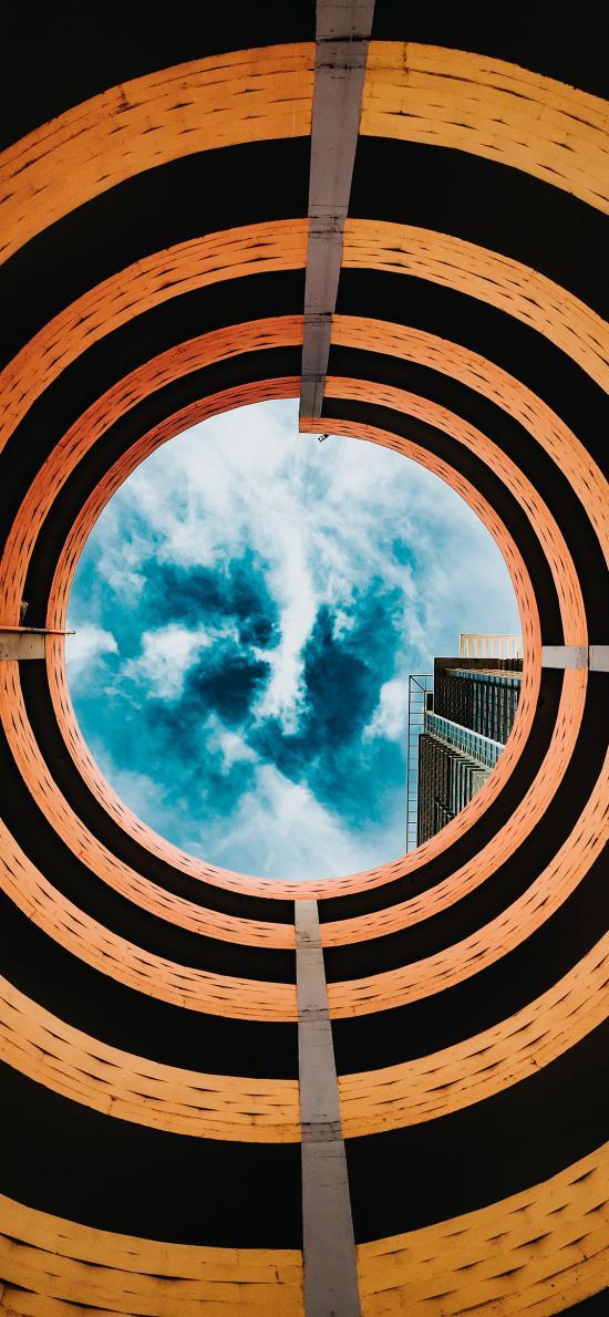 建筑 螺旋 圆形 蓝天白云
