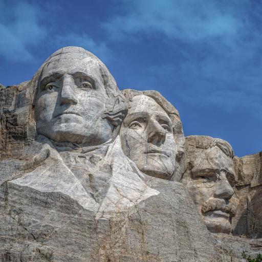 蓝天 山峰 石像 雕刻 景点