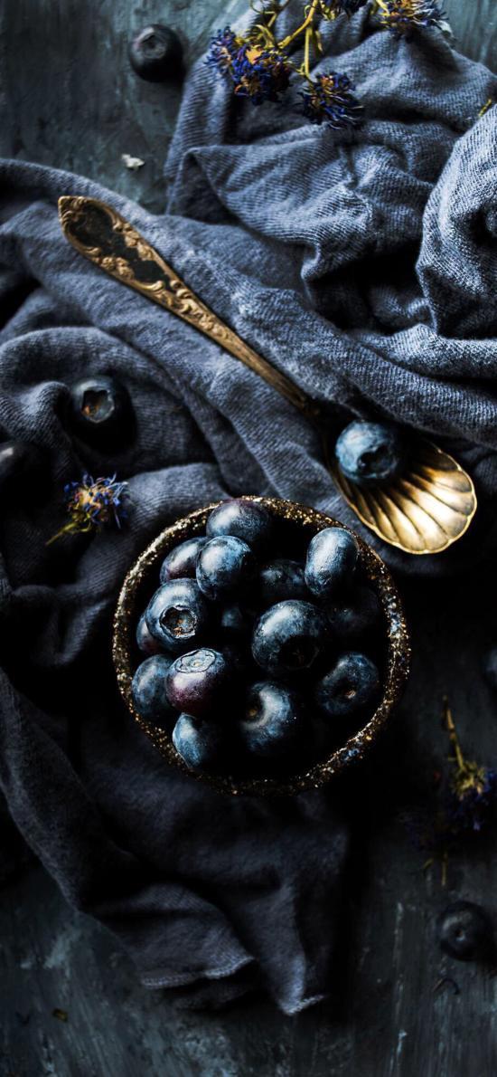 蓝莓 水果 勺子 布匹