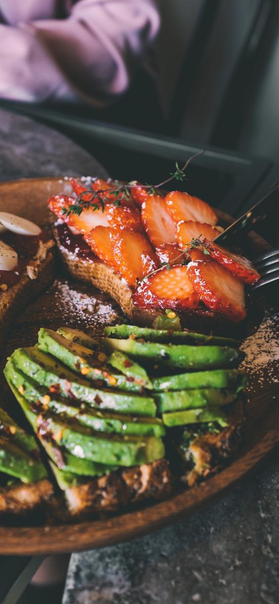 甜品 牛油果 草莓 面包 吐司 餐具 刀叉