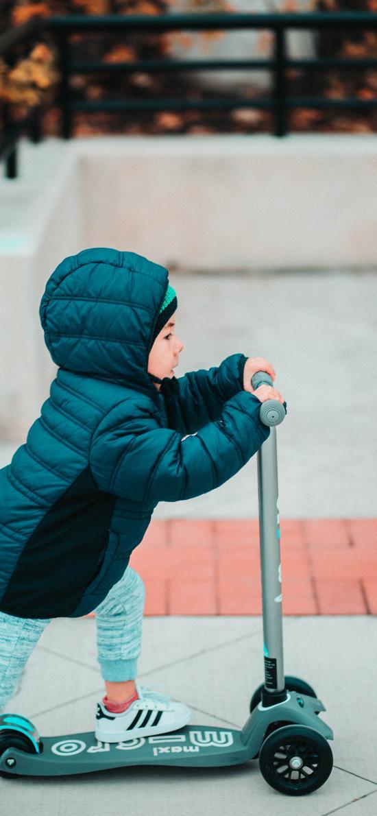滑板车 滑行 小孩 羽绒