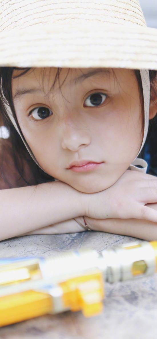 刘楚恬 小葡萄 小女孩 草帽 童星