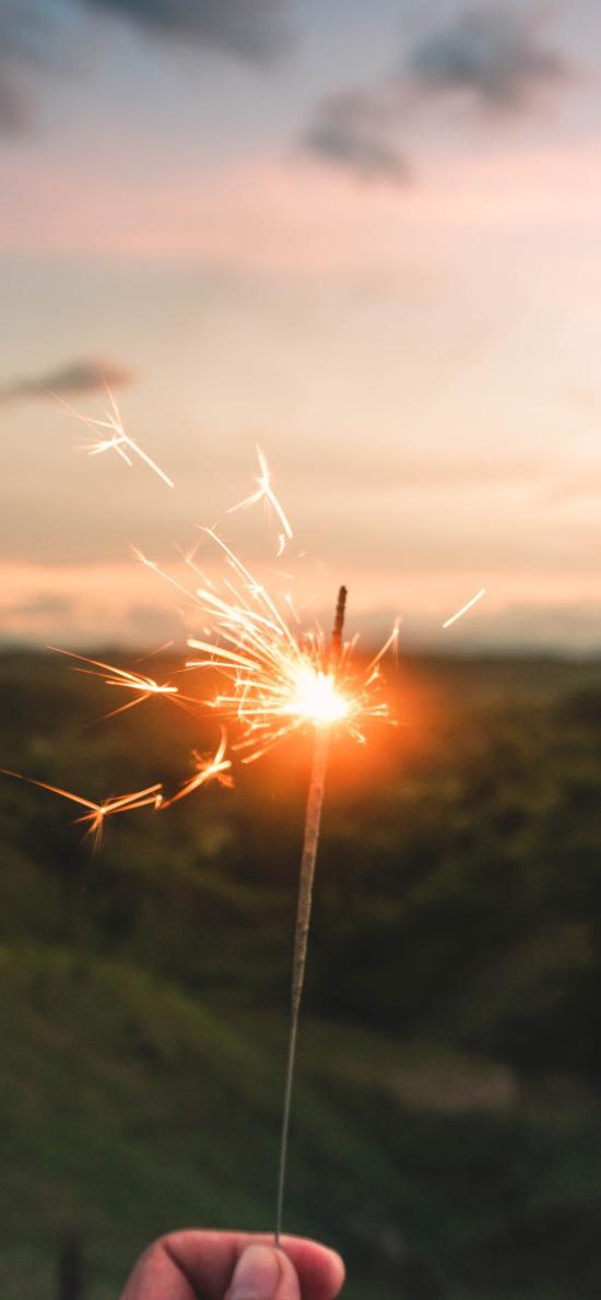 小烟花 仙女棒 燃烧 庆祝