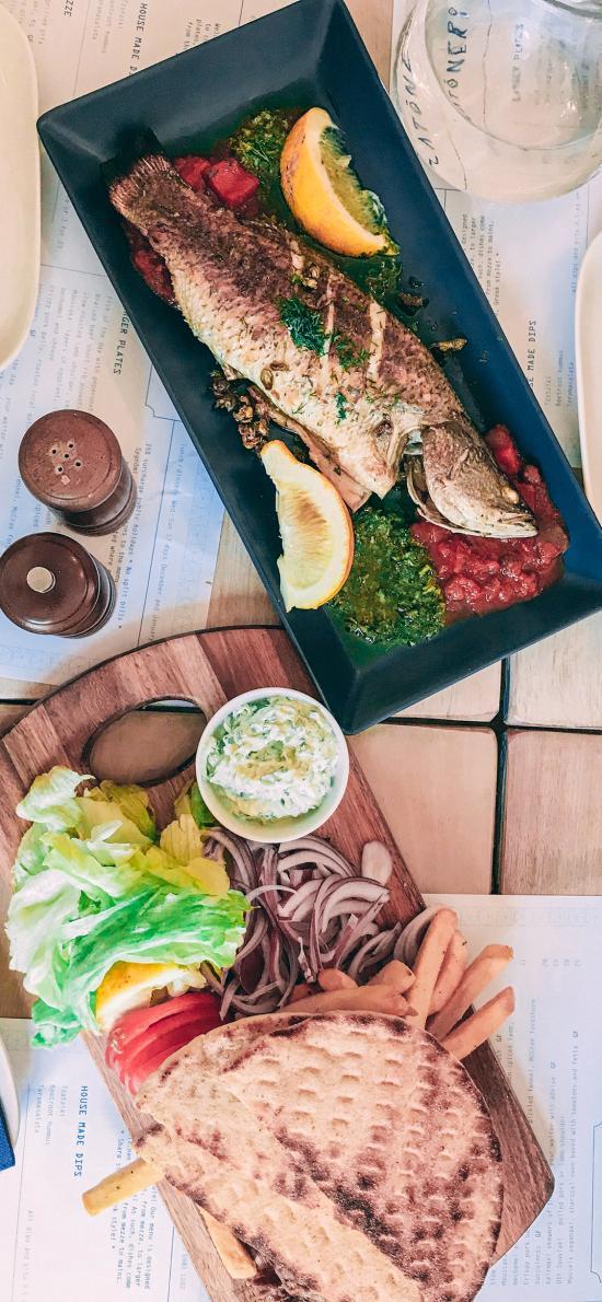 餐点 鱼 餐具 蔬菜 酱汁 薯条