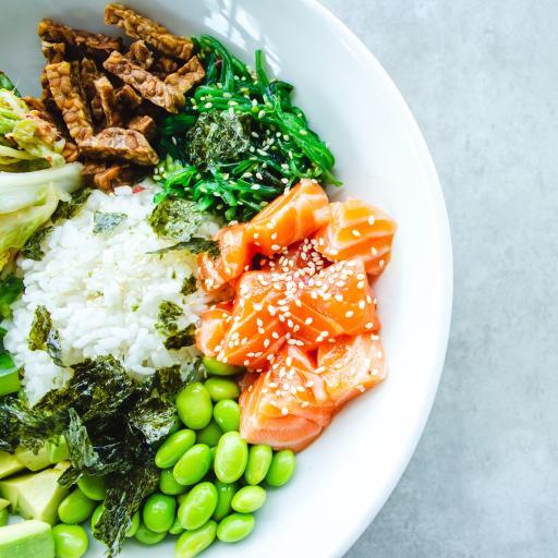 沙拉 三文鱼 青豆 健康
