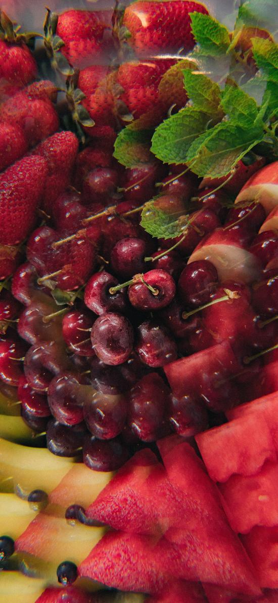 水果 拼盘 车厘子 西瓜 草莓