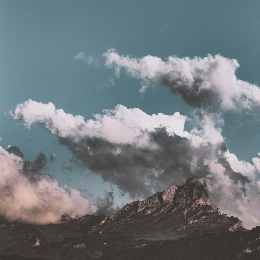 云朵 天空 山峰 大自然