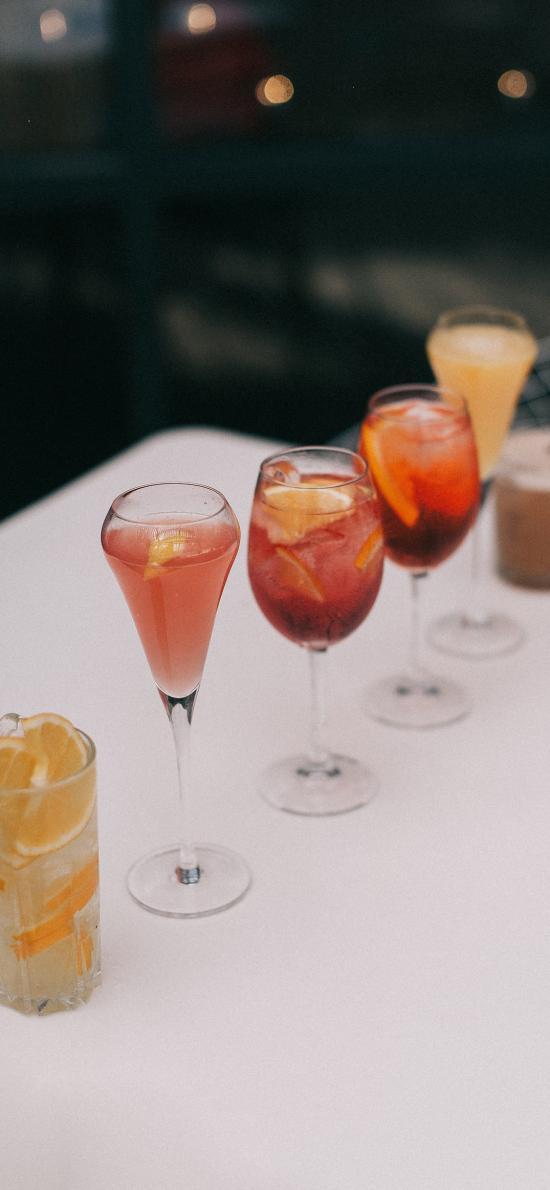饮品 酒杯 高脚杯 柠檬 冰块