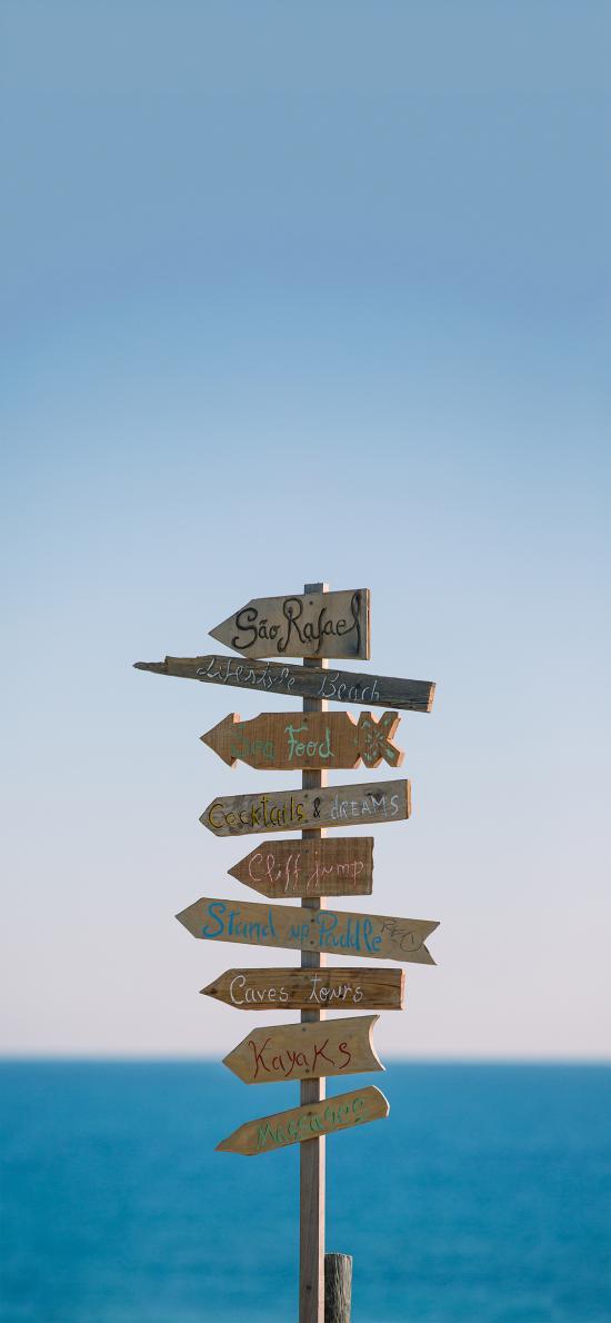 指示牌 外语 海边 箭头 木板