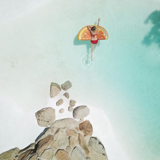 海边 日光浴 浮游 石堆