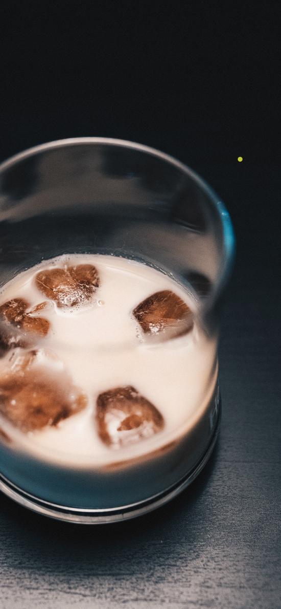 冰块 玻璃杯 牛奶 奶茶