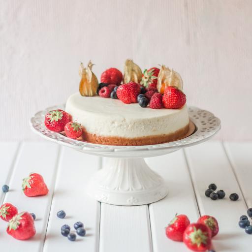 水果 草莓 蓝莓 灯笼果 甜品