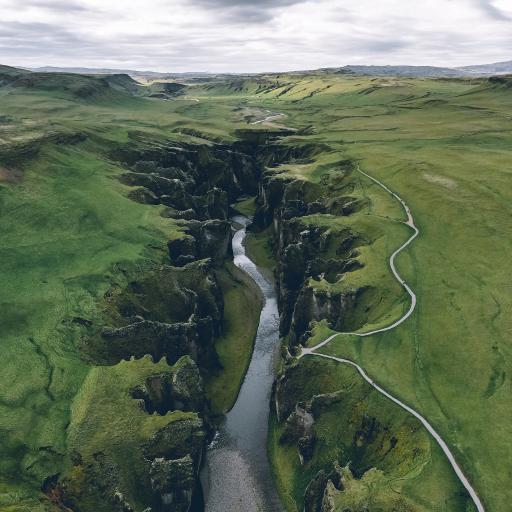 峡谷 河流 草原 地貌