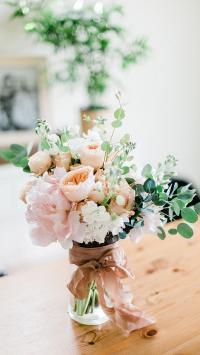 花束 鲜花 盛开 枝叶 花瓶