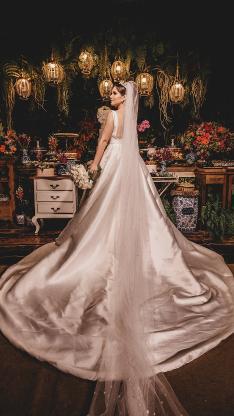 婚纱 礼服 长尾 婚照