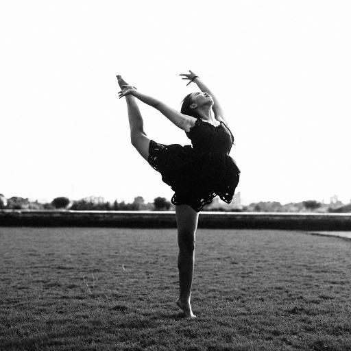 跳舞 肢体 黑白 舞者