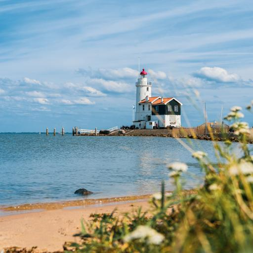 灯塔 远眺 海岸 沙滩 蓝天