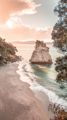 海边 海浪 礁石 沙滩