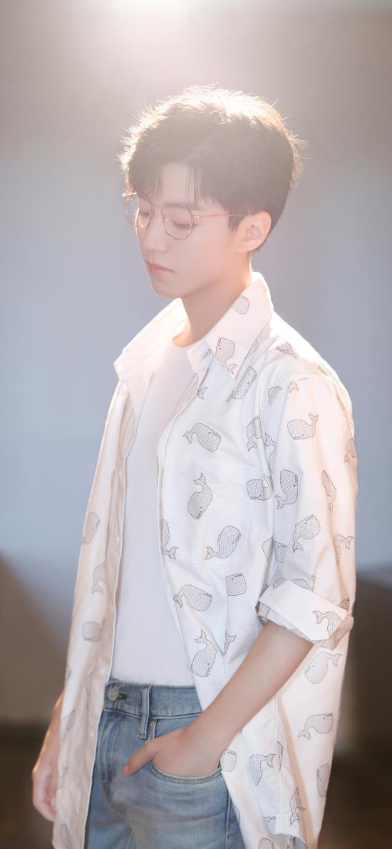 艺人 王俊凯 TFboys 光线