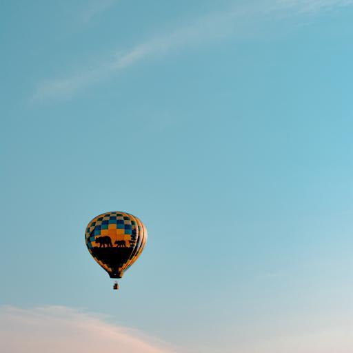 热气球 高空 蓝天 白云