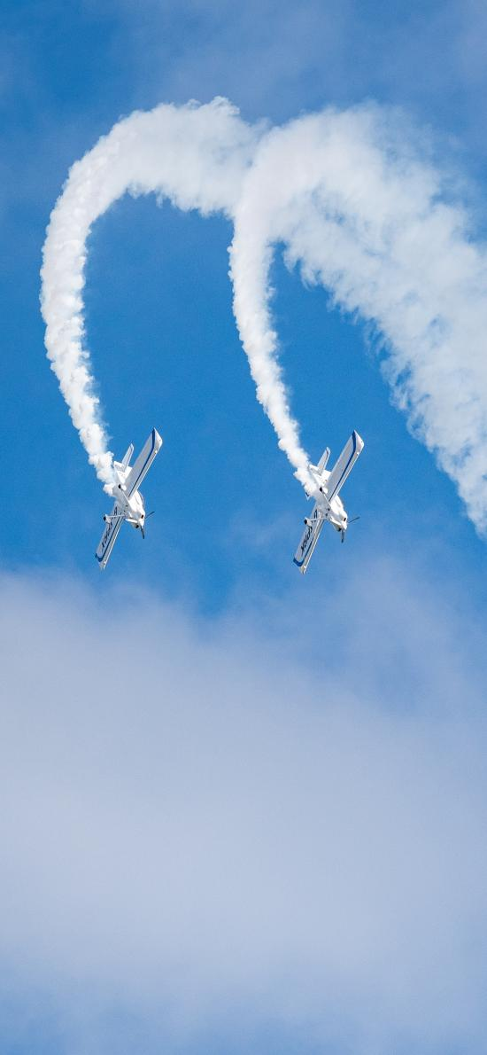 飞机 蓝天 喷雾 白云