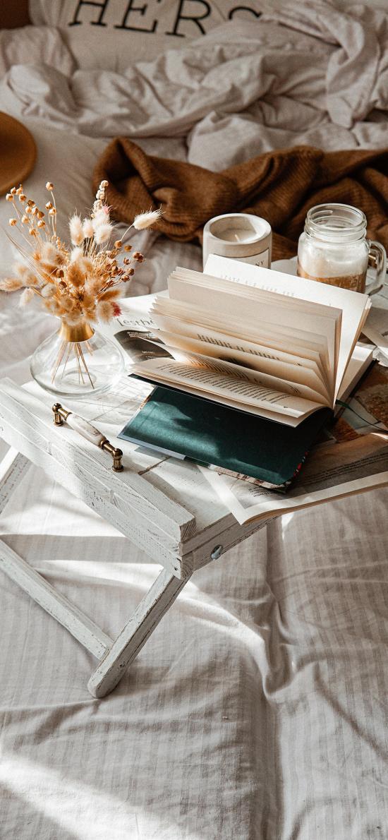 静物 桌子 书籍 干花