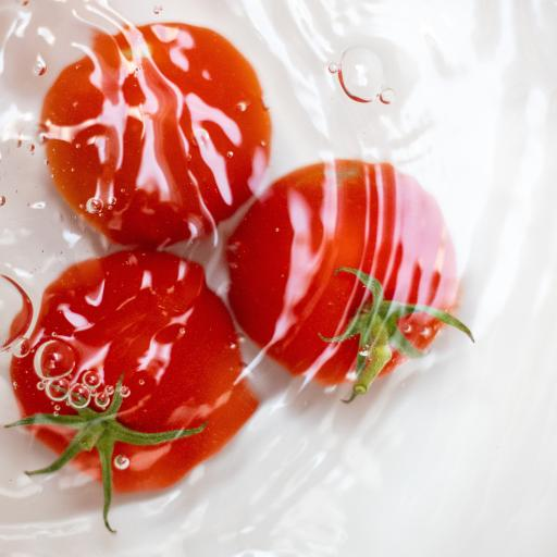 水果 西红柿 水 波浪