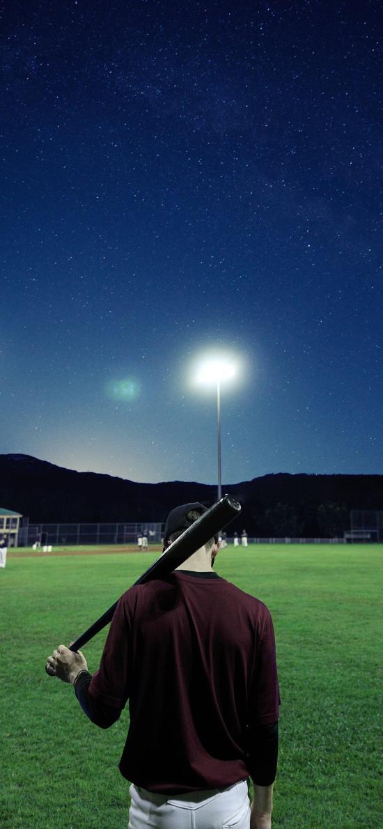 背影 棒球棍 草地 场地 球场