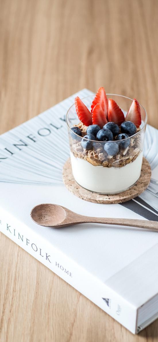甜品 奶昔 书籍 蓝麦 草莓 燕麦