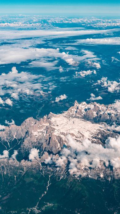 航拍 高空 群山 云层 雪顶