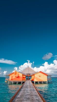海岸 度假 海上别墅 大海 蓝天