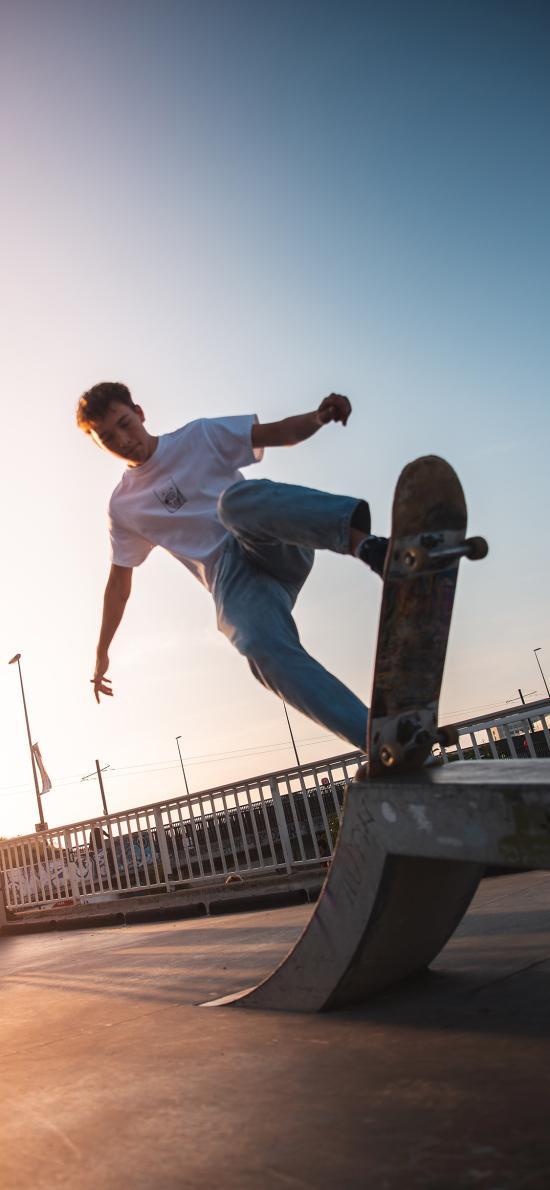 滑板 竞技 场地 技巧
