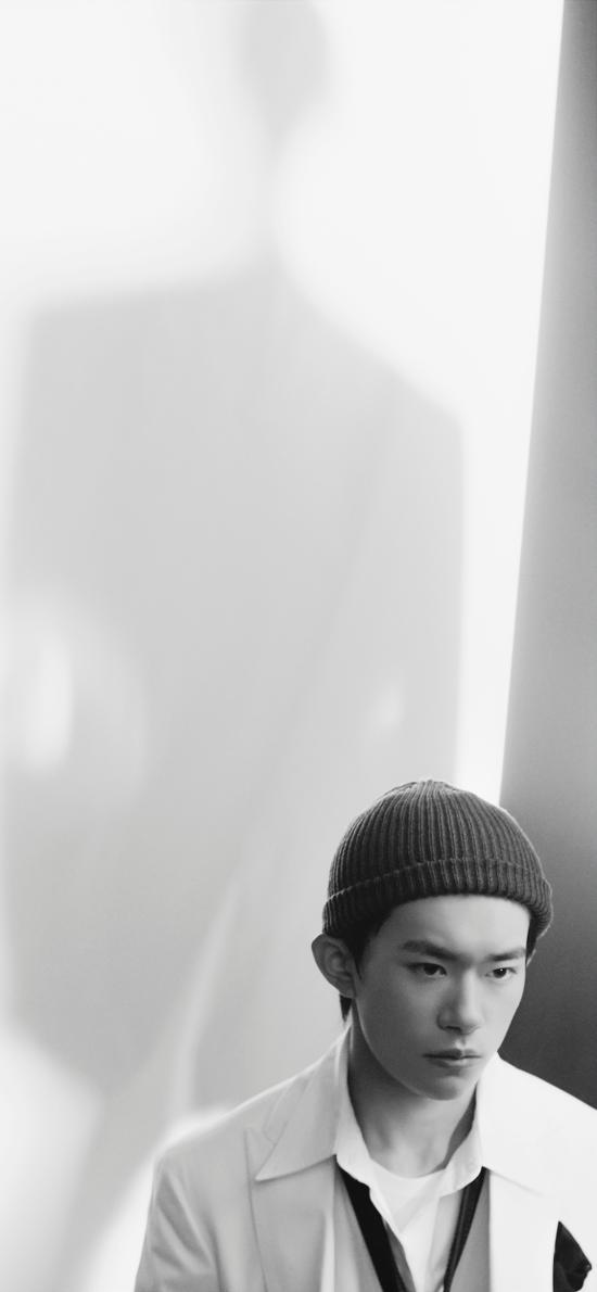 艺人 易烊千玺 演员 歌手 帽子