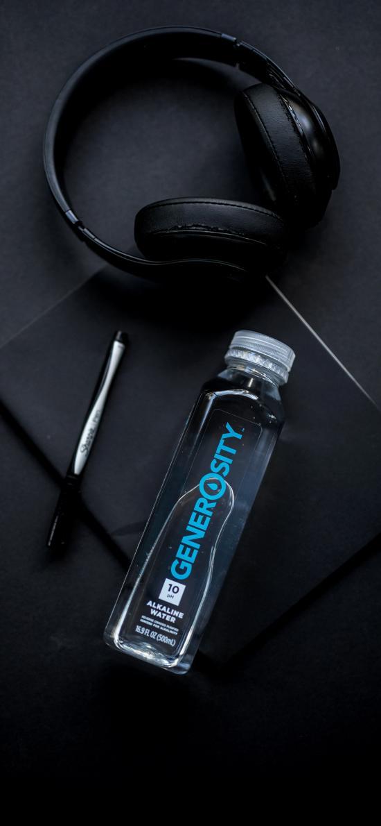 静物 耳机 水瓶 矿泉水