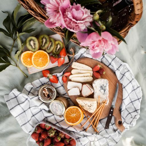 水果 草莓 奇异果 乳酪 鲜花