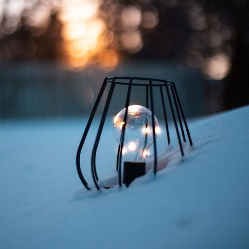 灯泡 雪地 光亮 灯罩